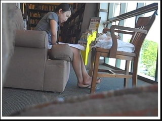 Candid Chinese Soles in Roll Flops and Bare 2010 pt 1