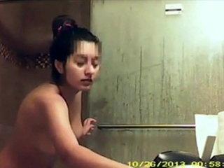 Teen shower compilation En la ducha