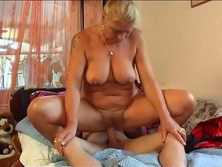 Hot Milf pokes young Dude