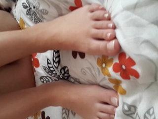 Cute Yng Gf's unshod Yng pussy, morose feets toes