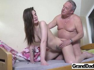 Ancient Perv wants regarding Cum back My Brashness